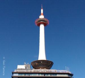 『ゴジラVSメカゴジラ』を連想させる京都タワー